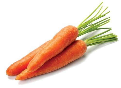 Морковь с зеленой ботвой