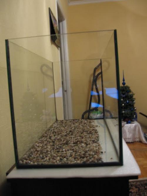 Подложка из гравия на дне аквариума
